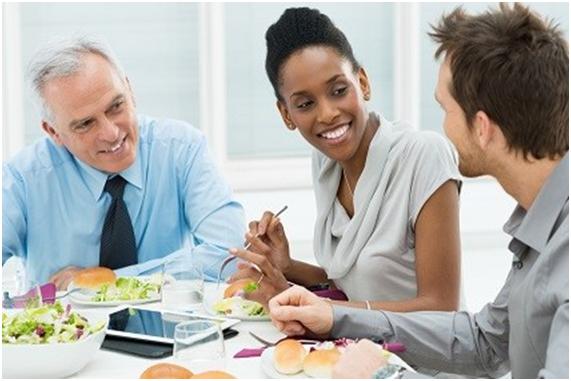 La livraison de repas au travail, un service qui vous changera la vie